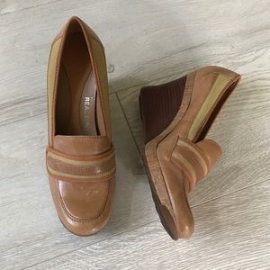 Kenneth Cole Reaction Shoes - Kenneth Cole Reaction Tan Bird Cede Leather Wedges